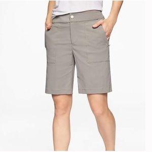 Athleta Trekkie Bermuda shorts pockets